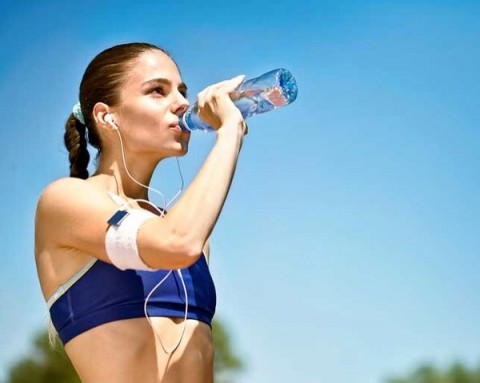 10 orsaker till varför vi ska dricka mer vatten